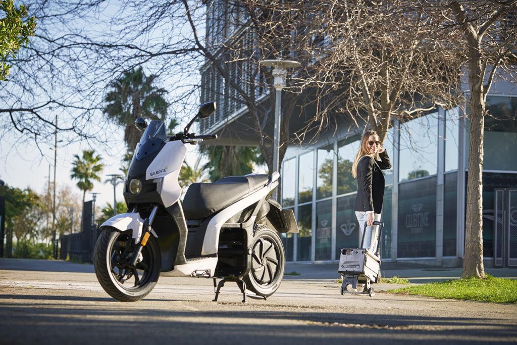 ¿Está permitido cargar la moto eléctrica en el trabajo? 5