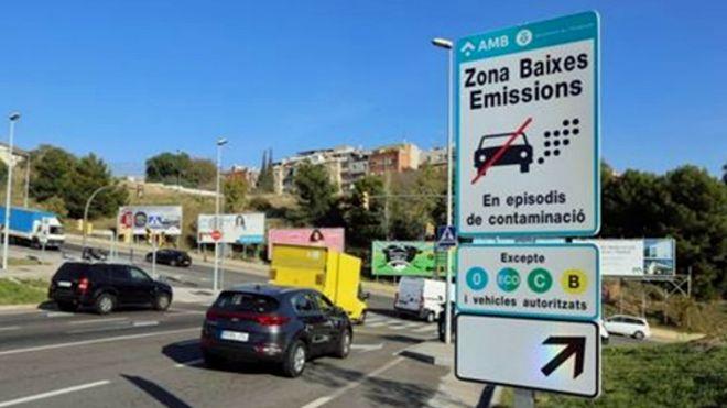 Barcelona cierra el tráfico a los vehículos contaminantes 6