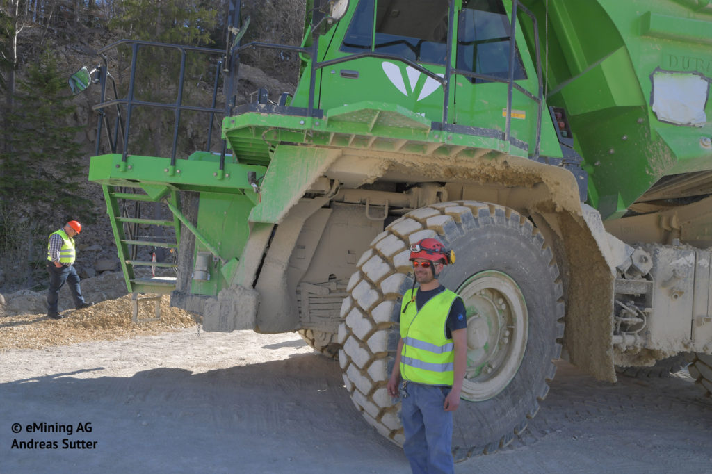 ¿Qué tiene en común este camión de 110 toneladas y la Silence S01? 6
