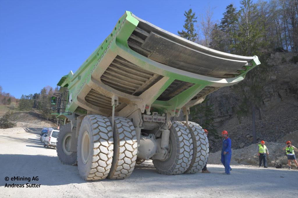 ¿Qué tiene en común este camión de 110 toneladas y la Silence S01? 2