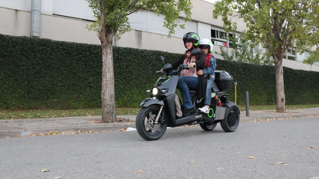 ¡Papá/mamá llévame al colé en moto! 5