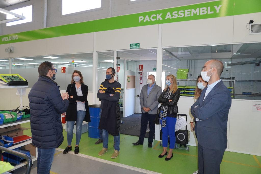 La alcaldesa de Sant Cugat y diputados del Parlament visitan Silence 2