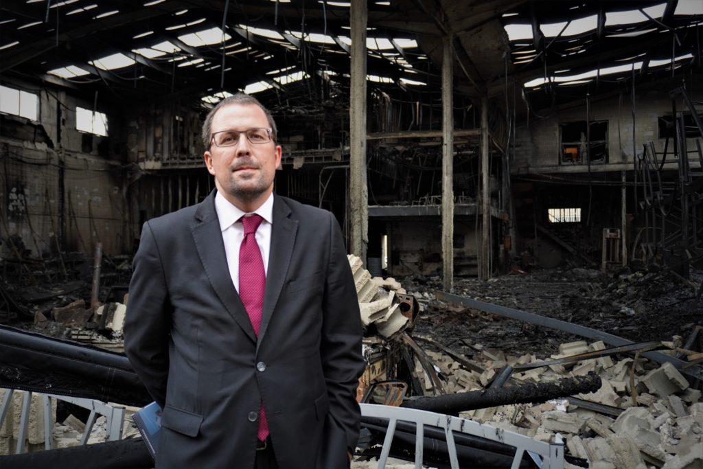 Raül Blanco, Secretario General de Industria, ha visitado la planta incendiada de Silence en Molins de Rei 1