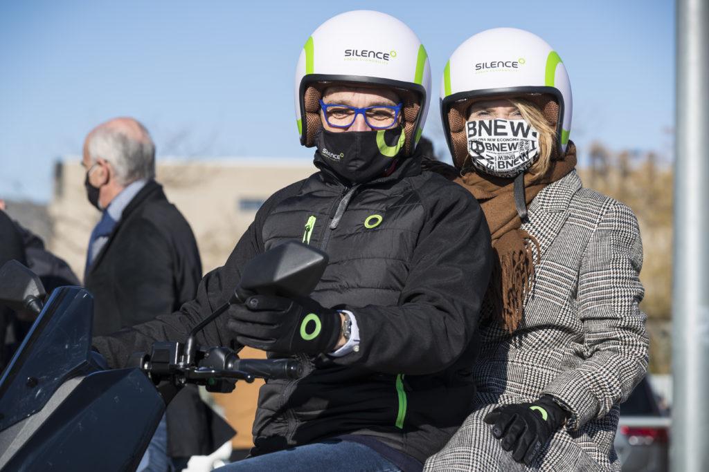 Pere Aragonès visita Silence y se sube a una de nuestras motos eléctricas 4