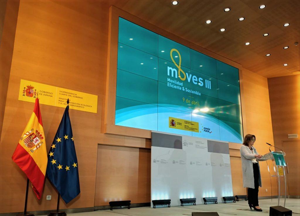 Silence presenta su moto y su batería a Teresa Ribera, vicepresidenta del Gobierno 2