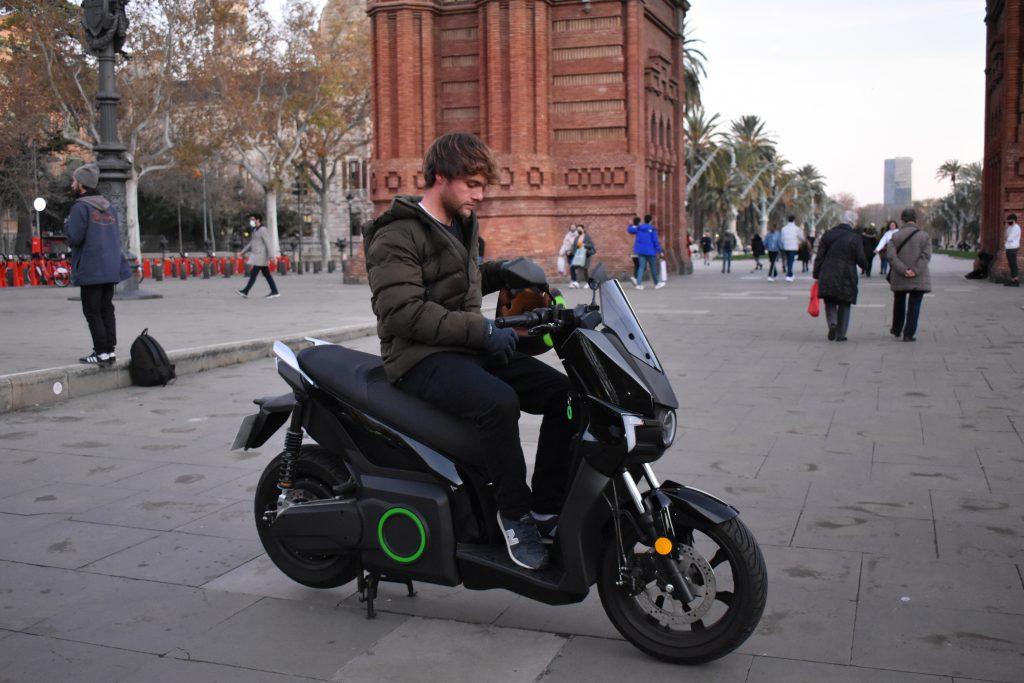 """Lluís Carrasco: """"La aceleración es una pasada. En los semáforos siempre salgo el primero"""" 4"""