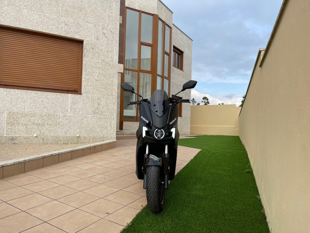 """Silence Vigo regala una moto eléctrica con la compra de un chalet en la urbanización """"La Ermita"""" 5"""