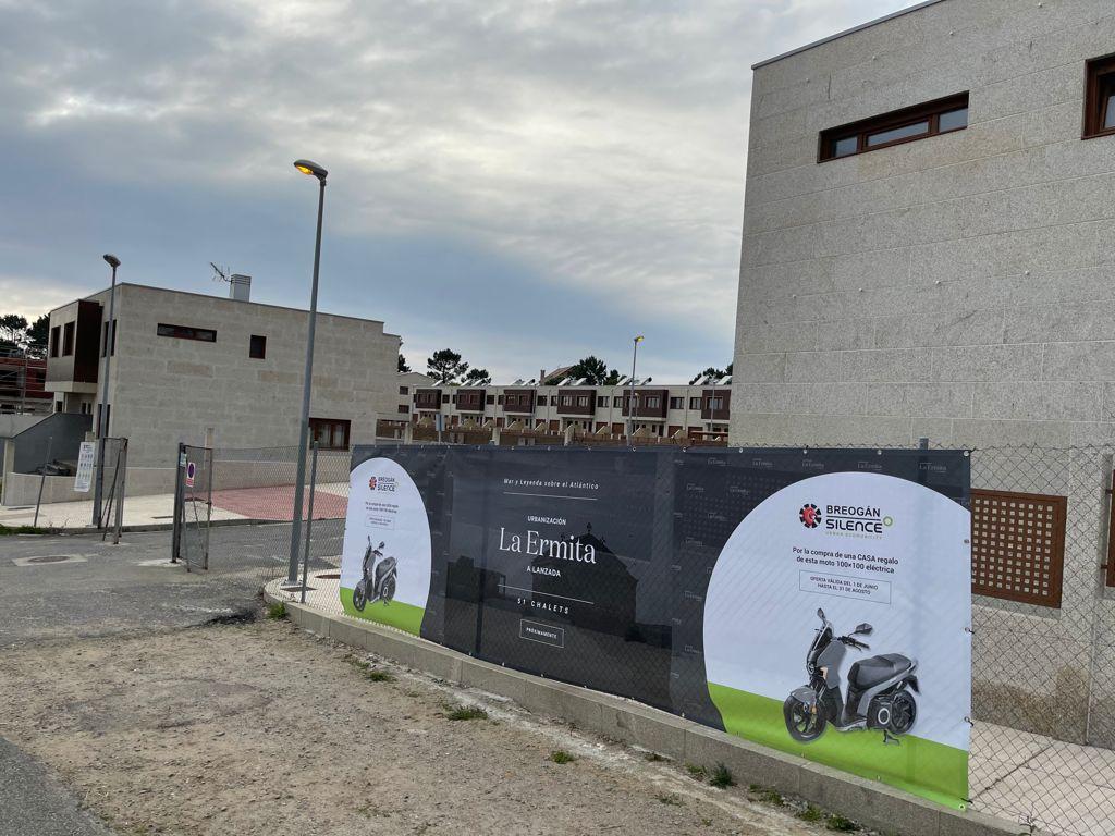 """Silence Vigo regala una moto eléctrica con la compra de un chalet en la urbanización """"La Ermita"""" 4"""